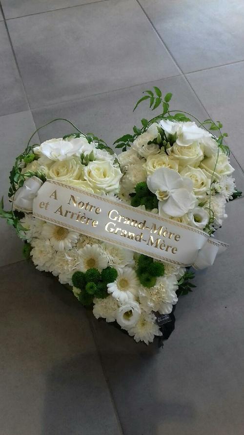 Cœur de fleurs - Composition florale pour le deuil