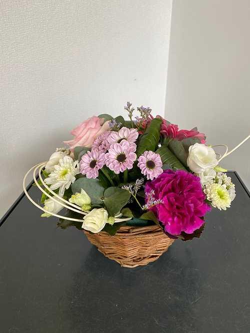 Composition florale sur assiette img5140