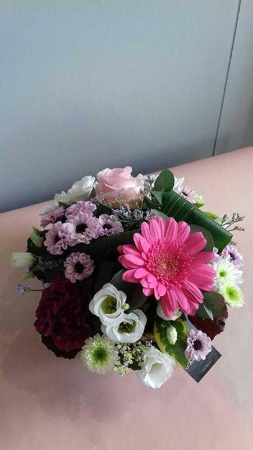 Bouquet rond avec poche d''eau img5083