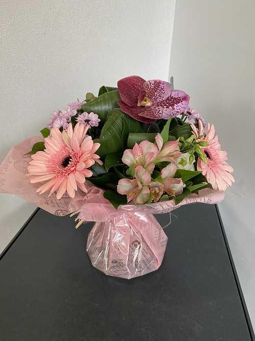 Bouquet rond avec poche d''eau 0